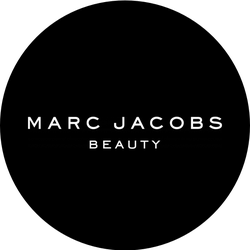Marc Jacobs Beauty Velvet Noir Badge