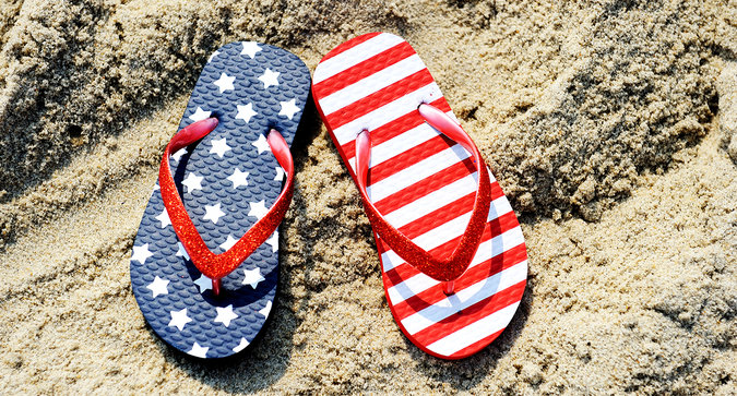Quiz: What Beauty Product Should You Bring With You For Memorial Day Weekend?