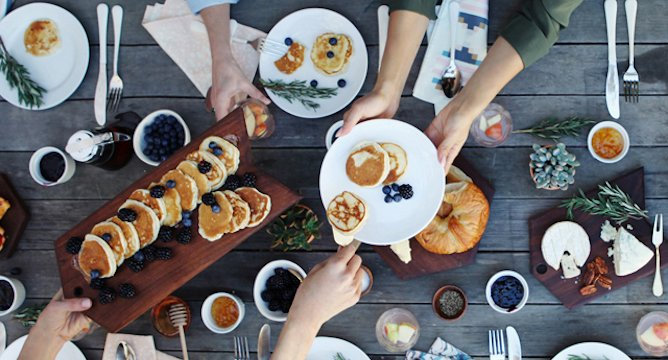 7 Easy Tips for Hosting an Amazing Brunch