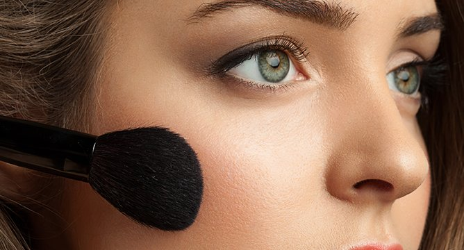10 Natural-Looking Ways to Perk Up a Dull Winter Complexion