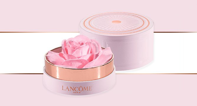 OMG. There's a Rose Petal Inside of Lancôme's Newest Highlighter