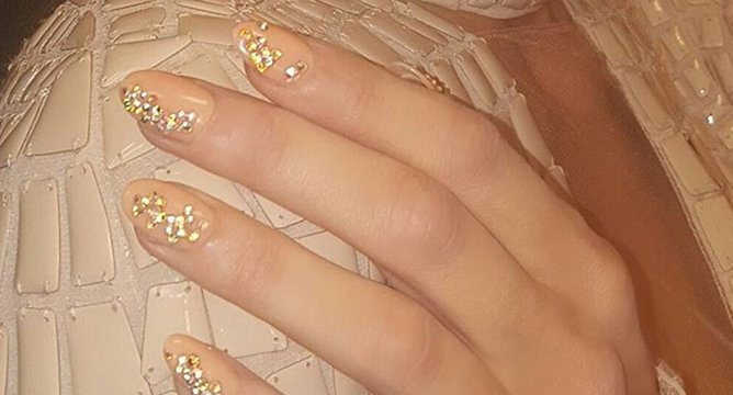 Crystal Nails Are the 'It' Manicure For Holiday Season