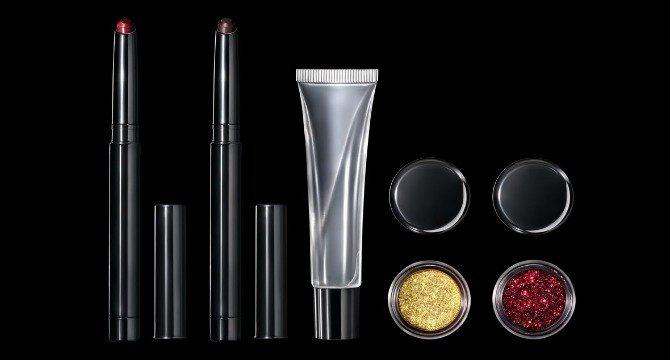 Pat McGrath is Launching A New Glitter Lipstick Kit!