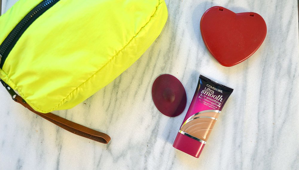 Beauty Hack: How to use Covergirl Ultra Smooth Foundation