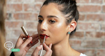 Beauty 101: Perfect Glittery Gold NYE Makeup!