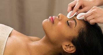 7 Expert Dermatologist Tips For Gorgeous Summer Skin