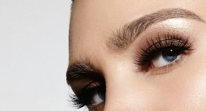 We Tried It: Velour Lashes
