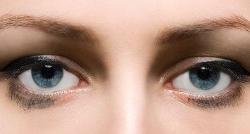 5 Eyeliner Pencils That Won't Smudge