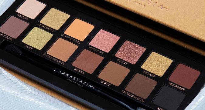 First Look: Anastasia Beverly Hills Soft Glam Palette