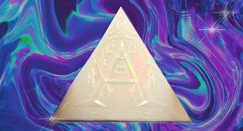 Kat Von D's New Palette is a Holographic Dream