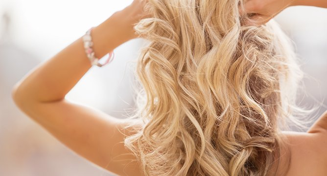 Sprays to Lighten Your Hair at Home