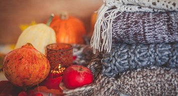 5 Ways to Bring Autumn's Scent Into Your Home