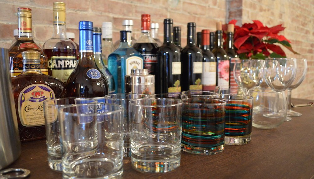Gift Guide: Stock a home bar with these 11 stylish picks