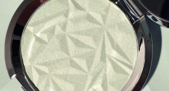 BECCA is Making Green Highlighter Happen