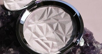 BECCA's New Highlighter Is Here To Make Your Gemstone Fantasies Come True