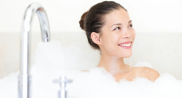 The Best Bath Soaks for Stress & Anxiety