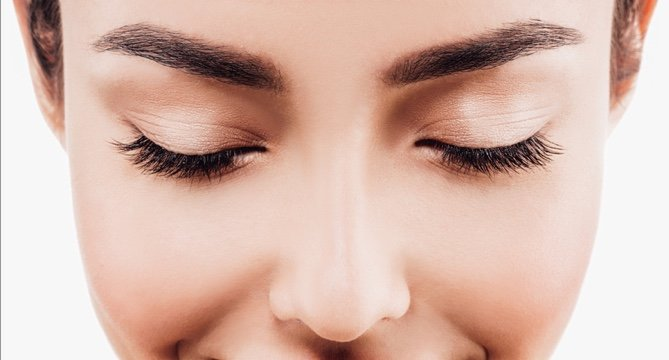 The Best Clear Mascaras for Eyebrows and Lashes: 408K Reviews