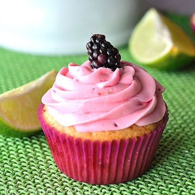 Blackberry Filled Cupcakes