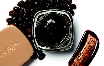 Instantly Awaken Tired Skin with L'Oréal Paris Pure-Sugar Kona Coffee Scrub
