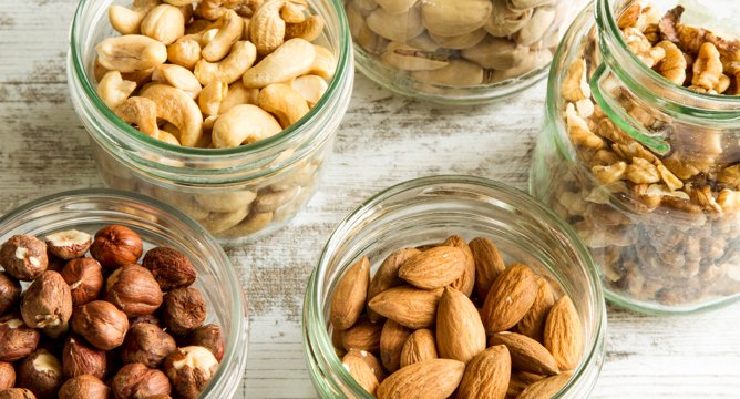 The Best Snacks for Staying Healthy On The Go