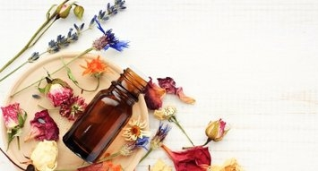 The Best Essential Oils to Diffuse Before Bedtime