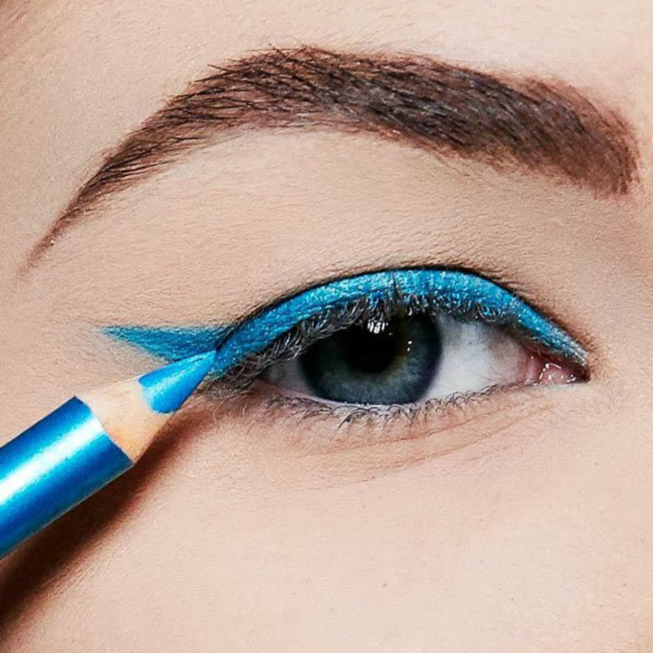 Unexpected Makeup Trend: Denim Makeup