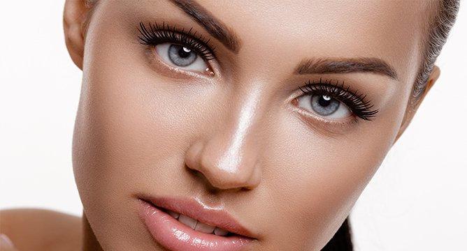 Insta Trend: Face Gloss