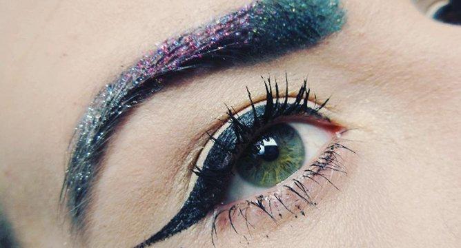 Insta Trend: Glitter Eyebrows