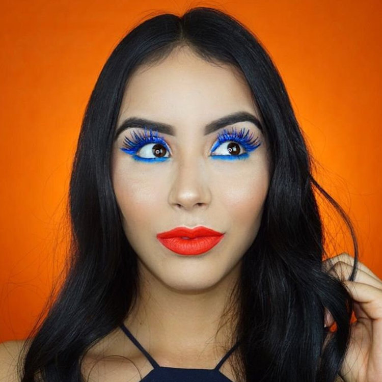 10 Ways to Rock Bright Blue Mascara