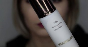 See Influensters Flaunting Their Hourglass Veil Mineral Primers