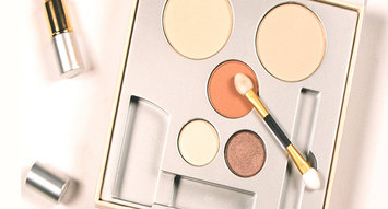VoxBox Alert: The Jane Iredale Makeup Kit!
