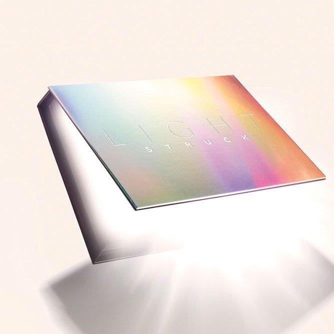 How Influensters Are Using Their Laura Mercier Lightstruck Prismatic Glow Palette VoxBoxes