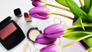 Keep it or Kiss It Goodbye? Expiration Dates for All of Your Makeup!