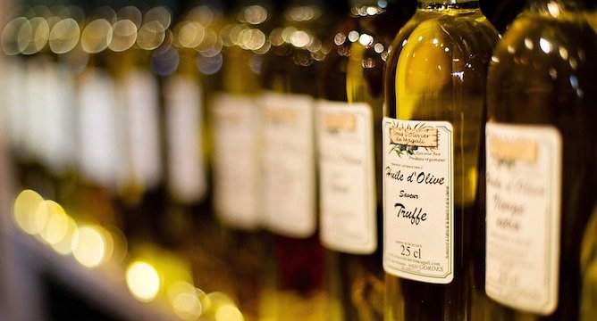 Essential Olive Oils for Your Home Kitchen