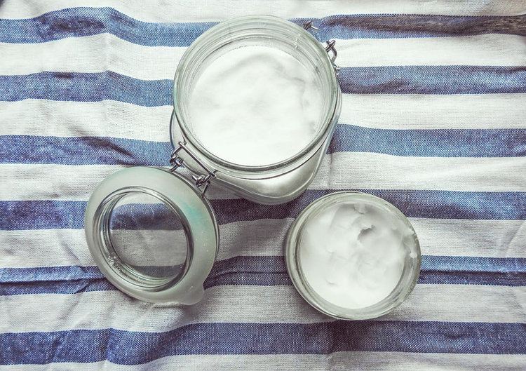 5 Multi-Purpose Coconut Oils for the Kitchen Beautician