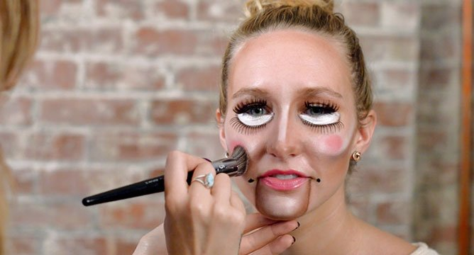 5 Minute Halloween Tutorial: The Puppet!