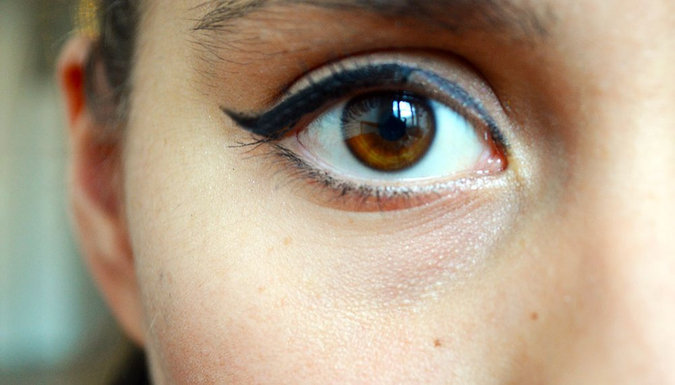 How To: The Purrr-fect Cat Eye with Rimmel