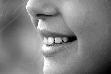 5 Floss Picks for Super-Clean Teeth