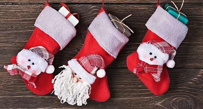 6 Stocking Stuffers Perfect for Beauty Lovers