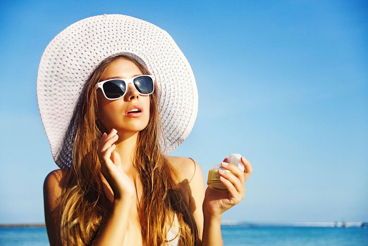 10 products to put some summer into your winter beauty routine