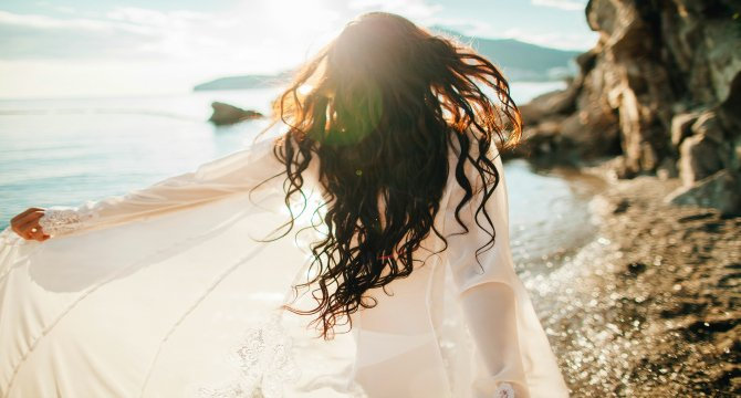 Hair Mistakes You Didn't Even Know You Were Making at the Beach