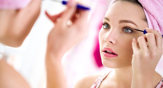 10 Best Mascaras for Lush Lashes