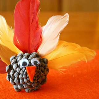 Thanksgiving Inspo: DIY Crafts for the Kids' Table