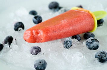 Boozy Ice Pops: DIY Pop-Tail Party