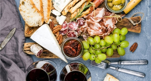 The Best Crackers for Summer Wine & Cheese