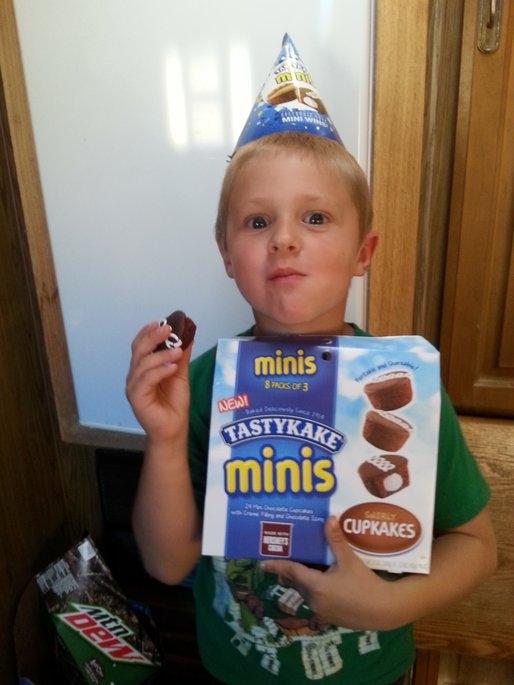 Tastykake® Minis Swirly Cupkakes 8 - 1.5 oz Packages uploaded by Lucinda C.