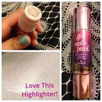 Benefit Cosmetics Girl Meets Pearl Highlighter uploaded by Kristen M.