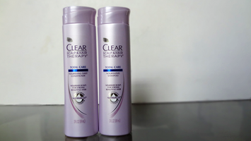 Photo of Clear Scalp & Hair Beauty Therapy Frizz-Control Nourishing Daily Conditioner uploaded by Brianna B.