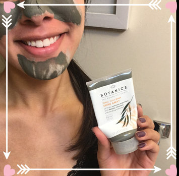 Boots Botanics Shine Away Ionic Clay Mask uploaded by Gaby L.