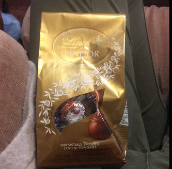 Photo of Lindt Lindor Truffles Ultimate Assortment uploaded by Katie D.